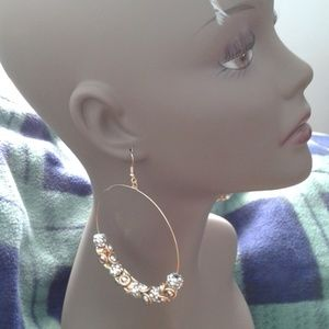 DaVinci Jewelry - NWT.  Large hoop earrings gold & sparkling beads